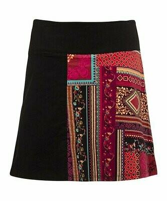Coline, Черно-красная юбка-трапеция в стиле пэчворк
