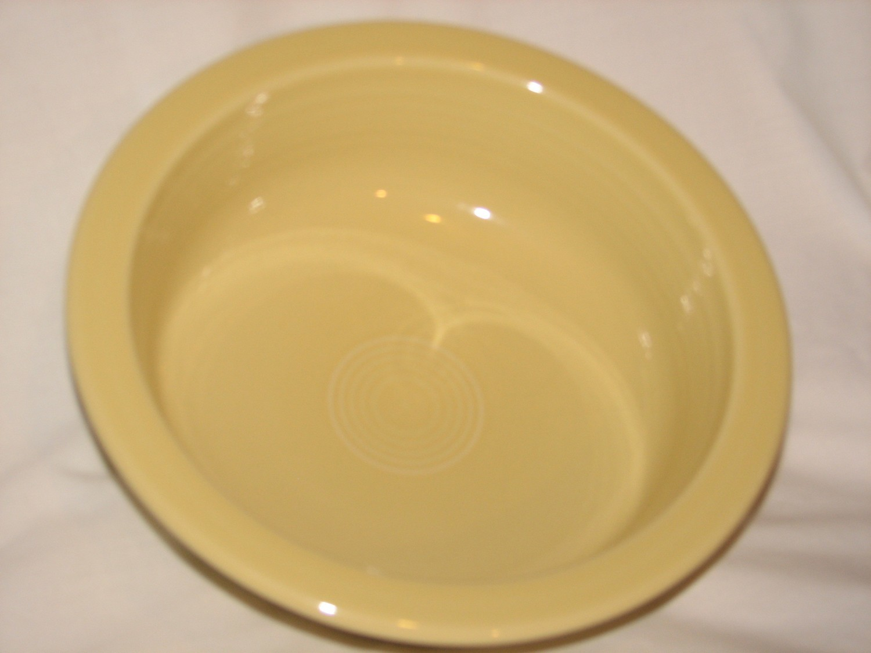 "Fiestaware by Homer Laughlin Vintage Serving Bowl 40 oz, 8.25"" Diameter, Yellow"