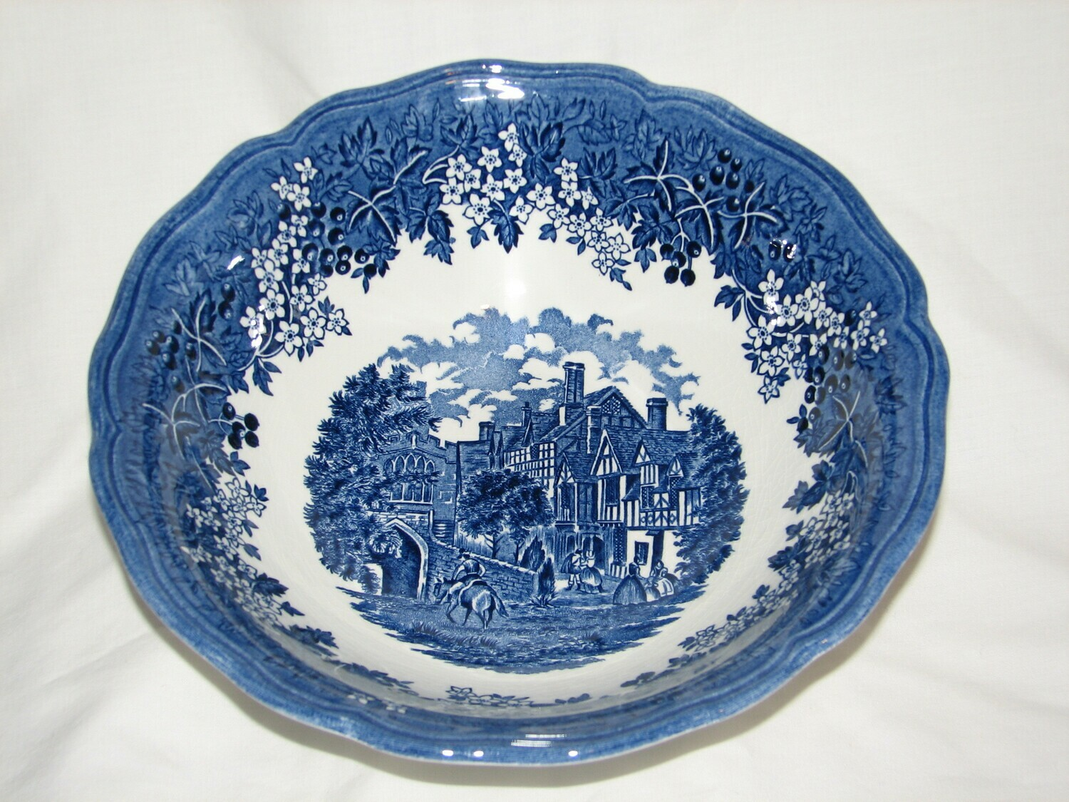 "J&G Meakin, 8.5"" Round Vegetable Bowl, Merry England-Blue"