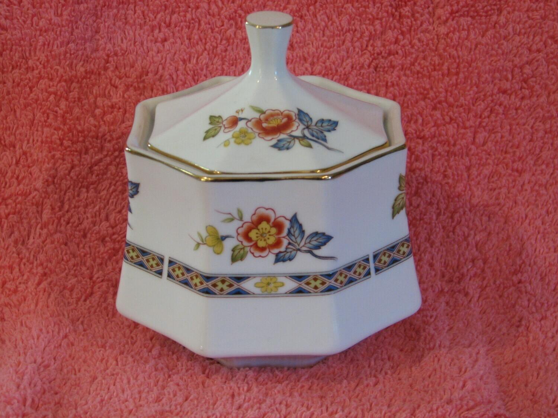 MOMOYAMA Fine China, Sugar Bowl W/Lid
