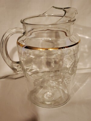 Bartlett Collins, 72 Ounce Pitcher with Ice Lip, 8 1/4 in, Decoration 806 Clear (Gold Trim)