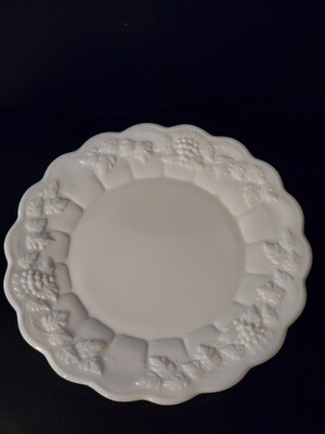 Westmoreland Dinner Plate, Paneled Grape, 10 1/2