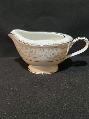 Noritake Bone China, Creamer, Oxford #5767