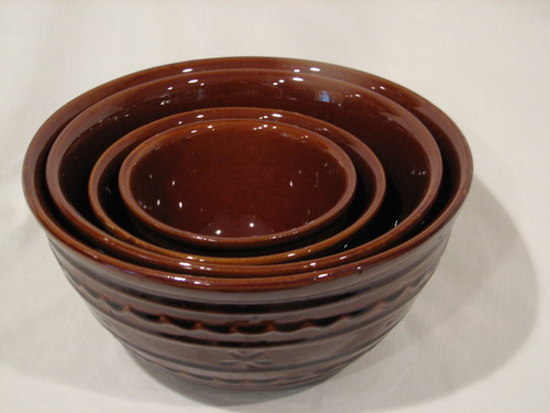 "Marcrest Vintage ""Daisy Dot"" Brown Stoneware Mixing Bowl, Set of 4 Excellent Condition"