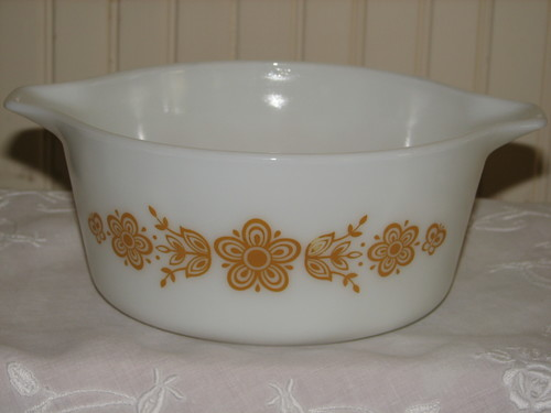 Vintage Pyrex 2-Casserole Nesting Bowls, 474-B 1.5q  Butterfly Gold - 2 Pattern