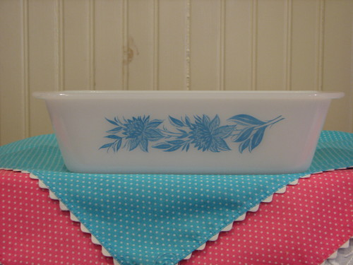 Glasbake Loaf Pan, Blue Thistle Pattern