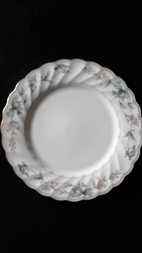 "Noritake China Dinner Plate 10 1/2"" Brookhollow Pattern #4704"
