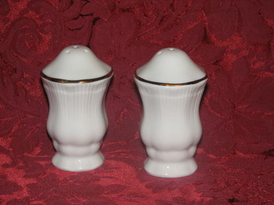 Walbrzych Salt & Pepper Shakers, Ribbed Pattern, White W/Gold Trim