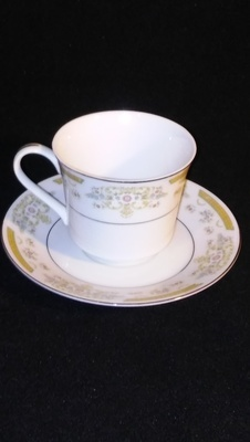 Signature Collection, Flat Cup & Saucer, Coronet Pattern #117