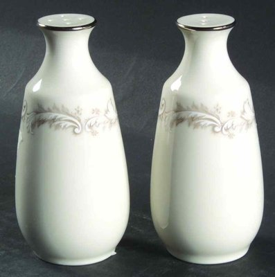Noritake Ivory China, Salt & Pepper Shaker Set, Marquis 7540