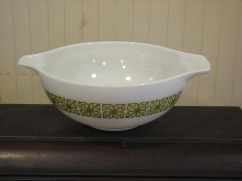 Pyrex 4Qt Cinderella Bowl, Green Verde Square Pattern