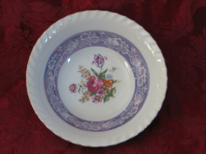 """Vintage Serving Bowl, 7"""" W/Scalloped Rim, Gold Edge & Floral Design"""