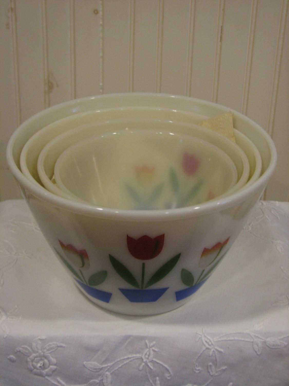 Vintage Fire King Mixing Bowl, Set of 4, Tulip Design