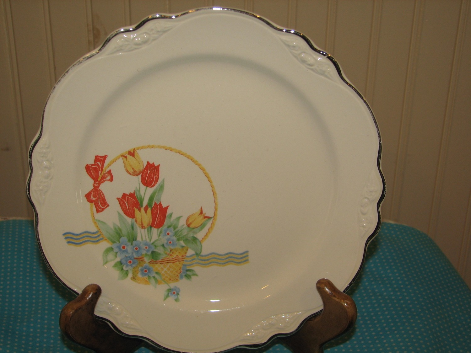 Homer Laughlin Virginia Rose Luncheon Plate, Tulips in Basket Pattern