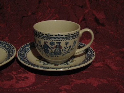 Johnson Brothers, Hearts & Flowers, Cup & Saucer