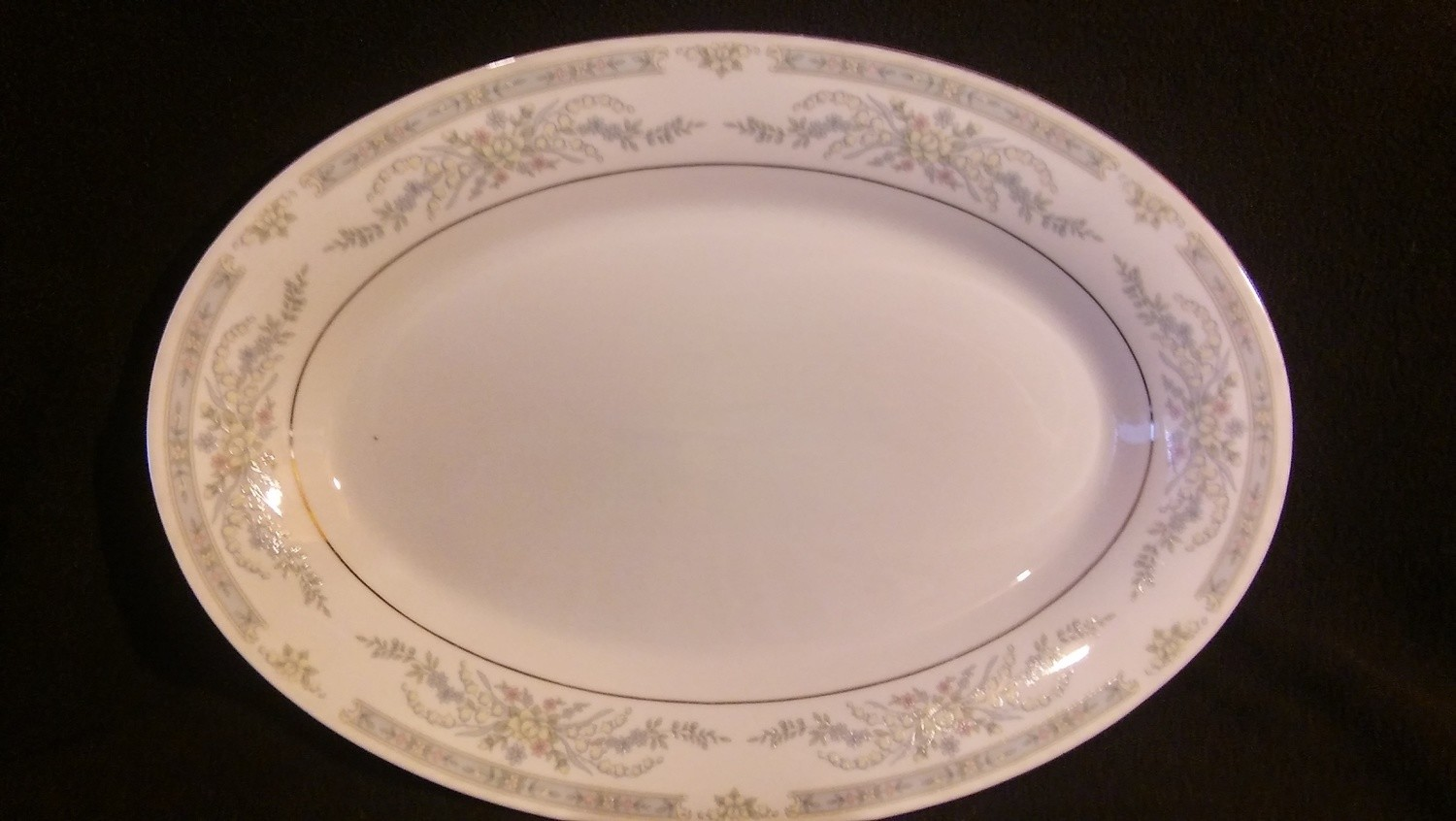 "Crown Ming Fine China, Oval Serving Platter 14 1/8"", Diana Pattern #1273"