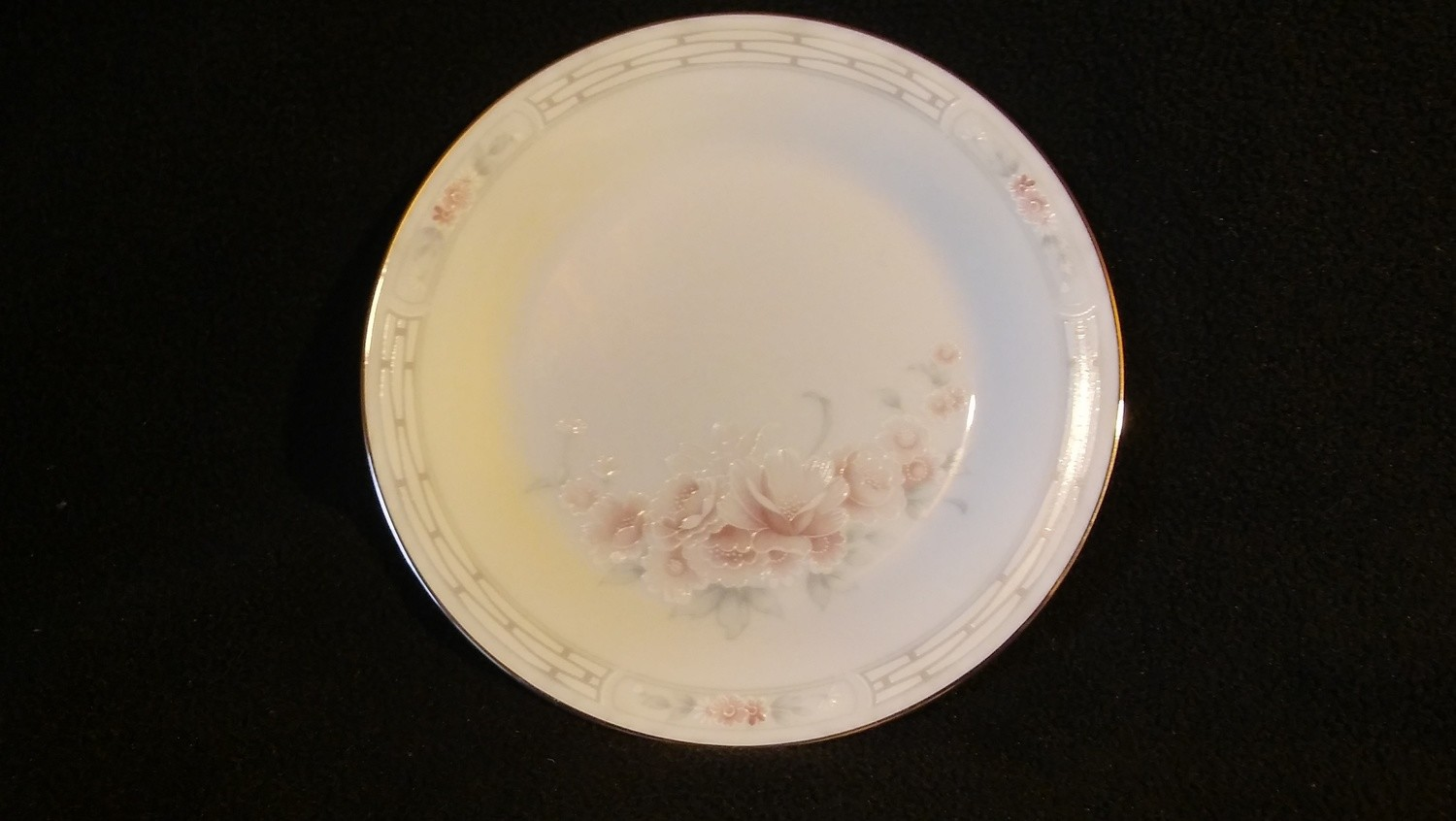 "Noritake China, Bread & Butter Plate 6 1/2""Carthage #3330"