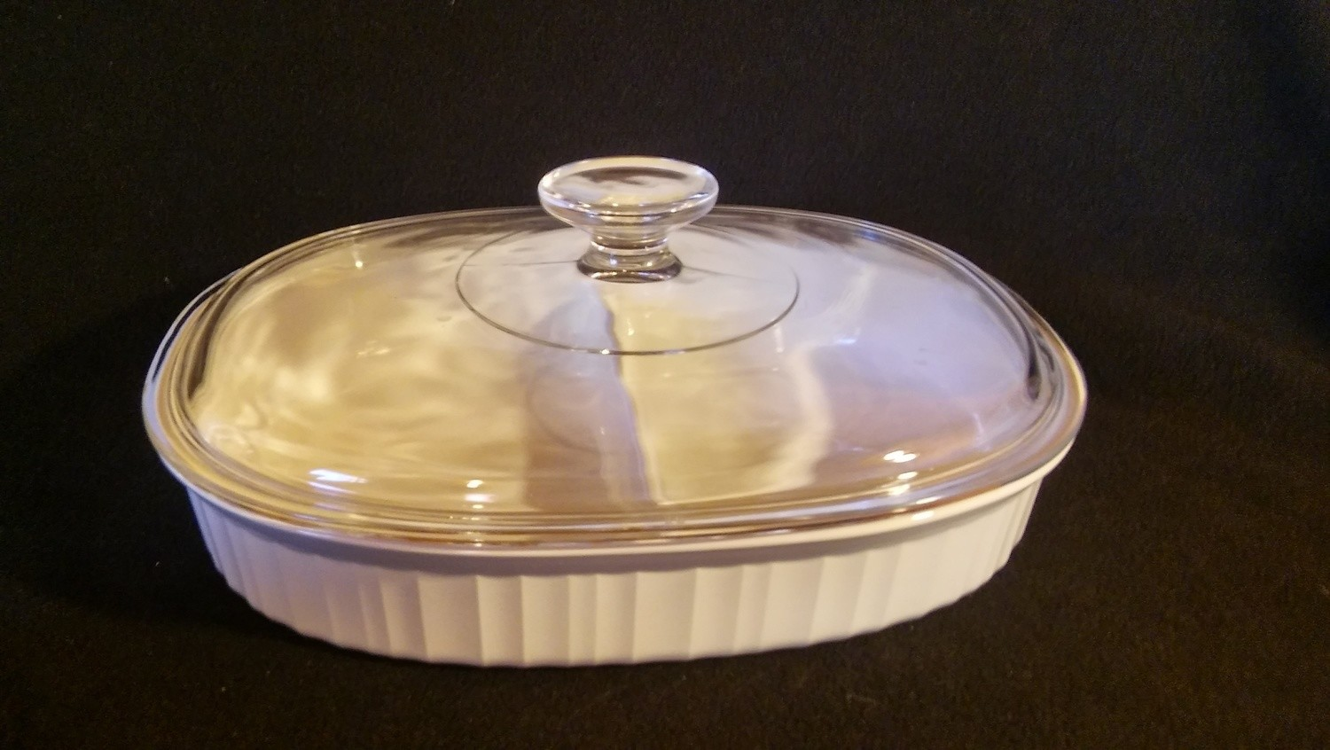 Corning Ware, Oval Covered Divided Casserole Dish, French White Pattern