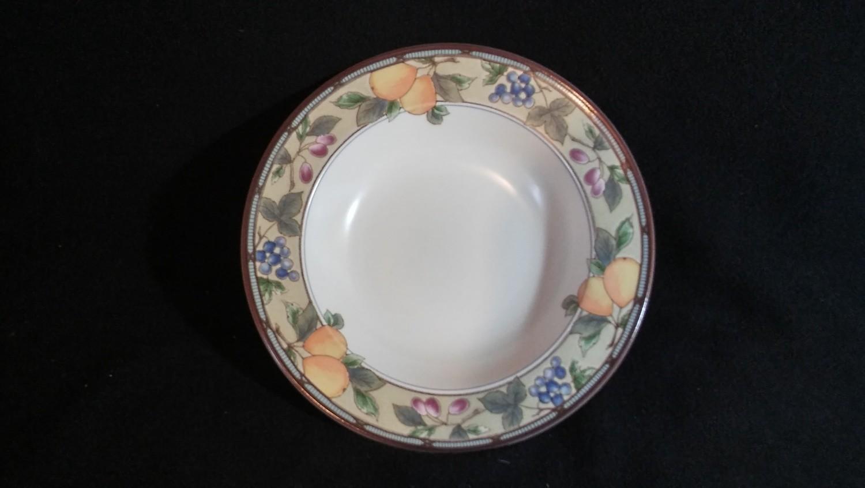 Mikasa Intaglio, Large Rim Soup Bowl,  Garden Harvest Pattern #CAC29