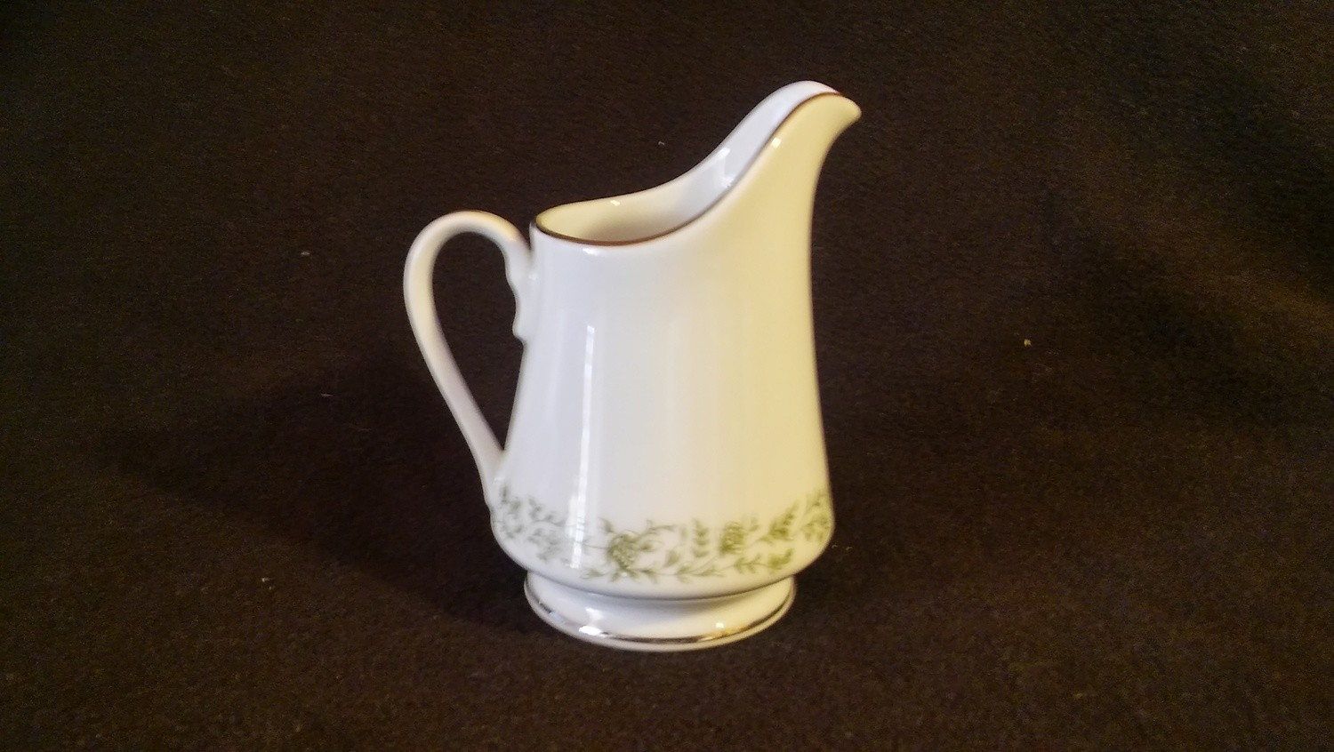 Mikasa Fine China, Creamer 8 oz, Montclair Pattern #G9059