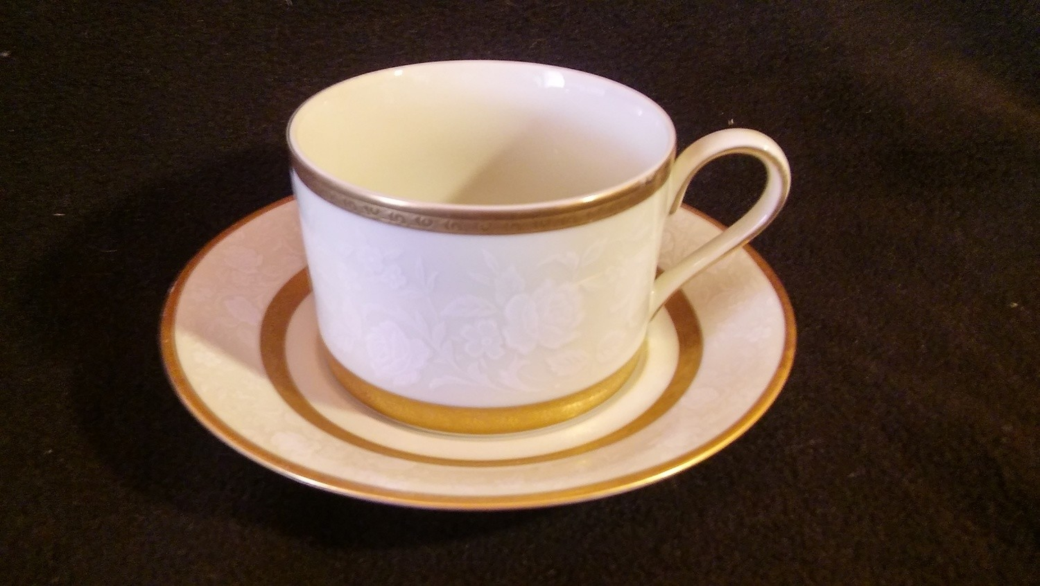 Mikasa Fine China, Flat Cup & Saucer, Antique Lace Pattern #L5531