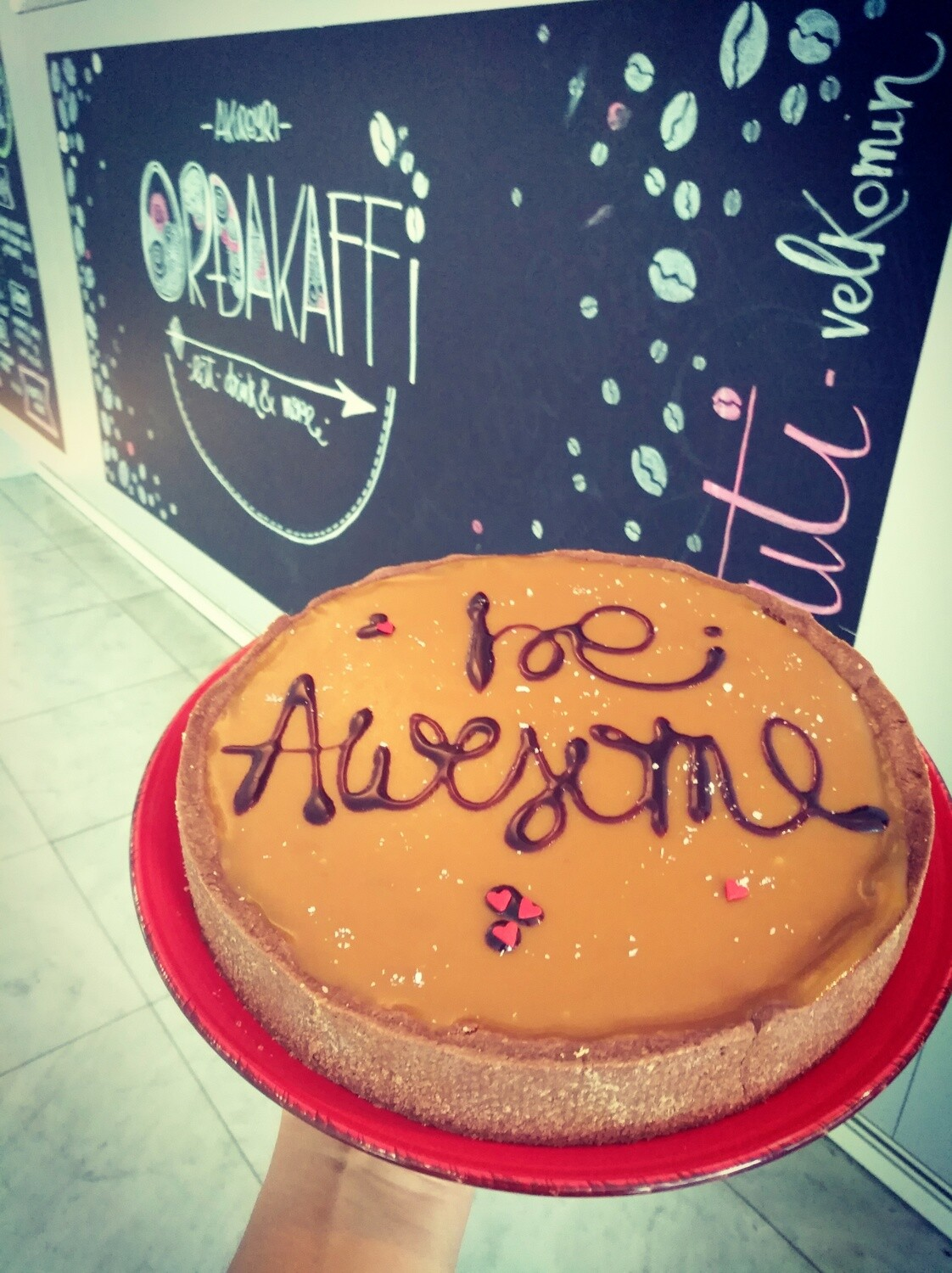 """Be awesome"" cake"
