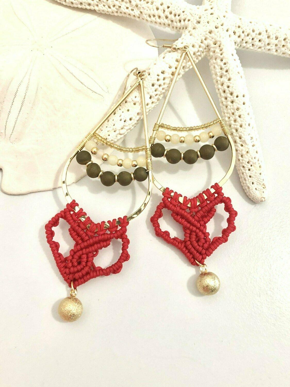 Red foxeye beaded macrame earrings