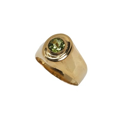 The Elemental Signet Ring - Peridot - 7⌀ (Vermeil)
