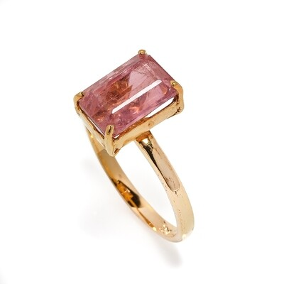 The Elemental Solitaire Ring - Pink Tourmaline - 6⌀ (10KT)