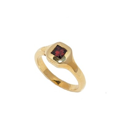 The Elemental Signet Ring - Garnet - 5⌀ (Vermeil)