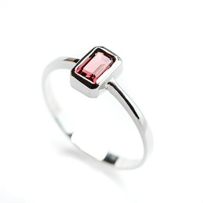 Bezel Ring - Garnet - 6.5⌀ (14KT)