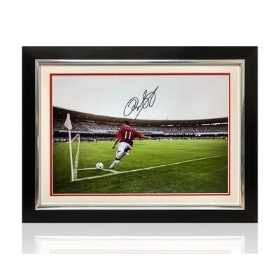 Ryan Giggs Signed & Framed Print