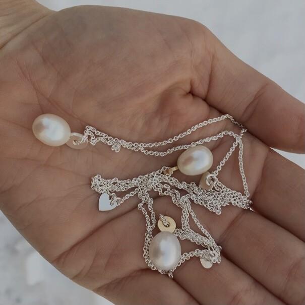 Silverhalsband med pärla