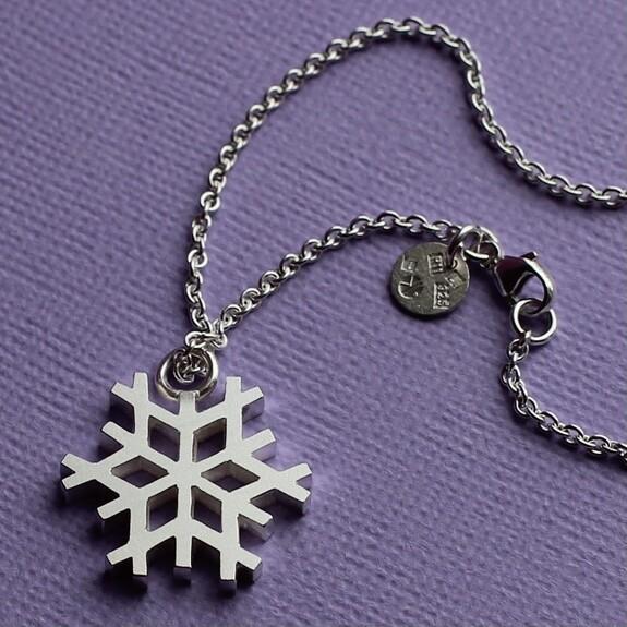 Halsband med snöflinga