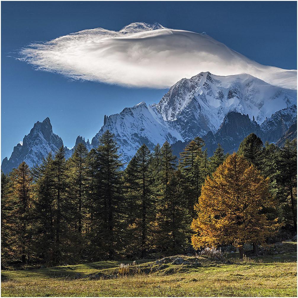 Monte Bianco - Val Ferret - Courmayeur - (la mano de dios)