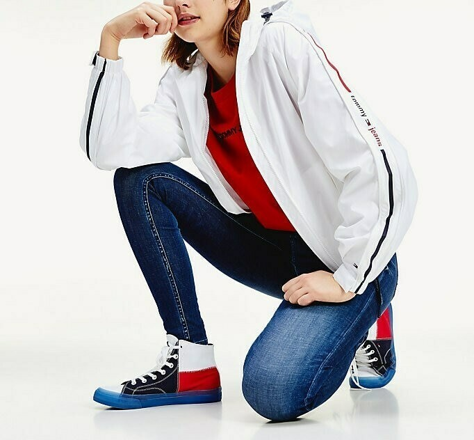 TOMMY TJW BRANDED SLEEVES WINDBREAKER WHITE