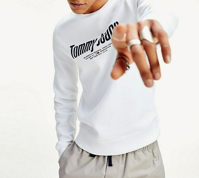 TOMMY TJM ESSENTIAL GRAPHIC CREW WHITE