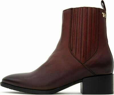 Tommy Hilfiger Pointed Toe Leather Boots