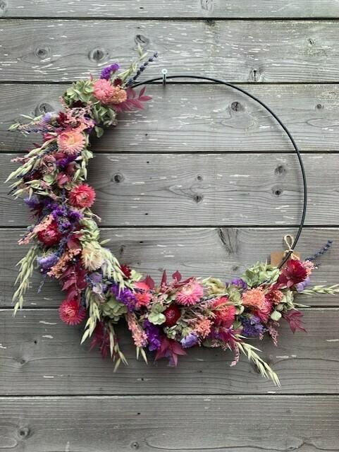 Ring met droogbloemen roos/paars/natuur
