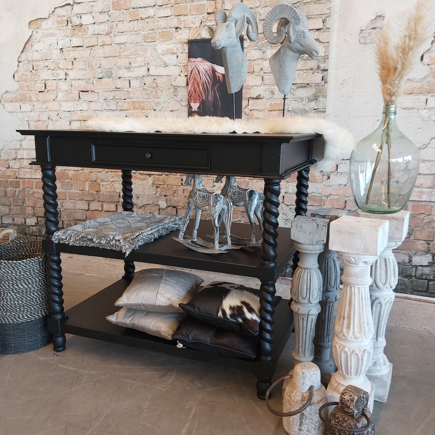 Black counter - Side-table