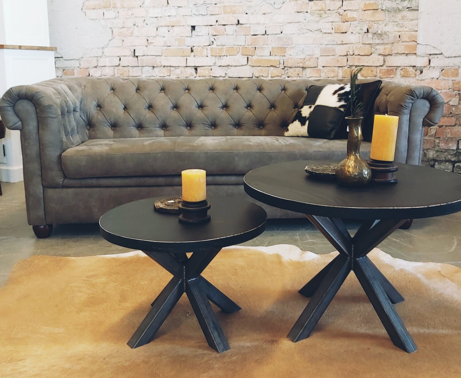 Industrial Set of 2 black round coffee tables - side tables.