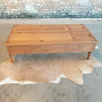 Teak salontafel met opbergruimte