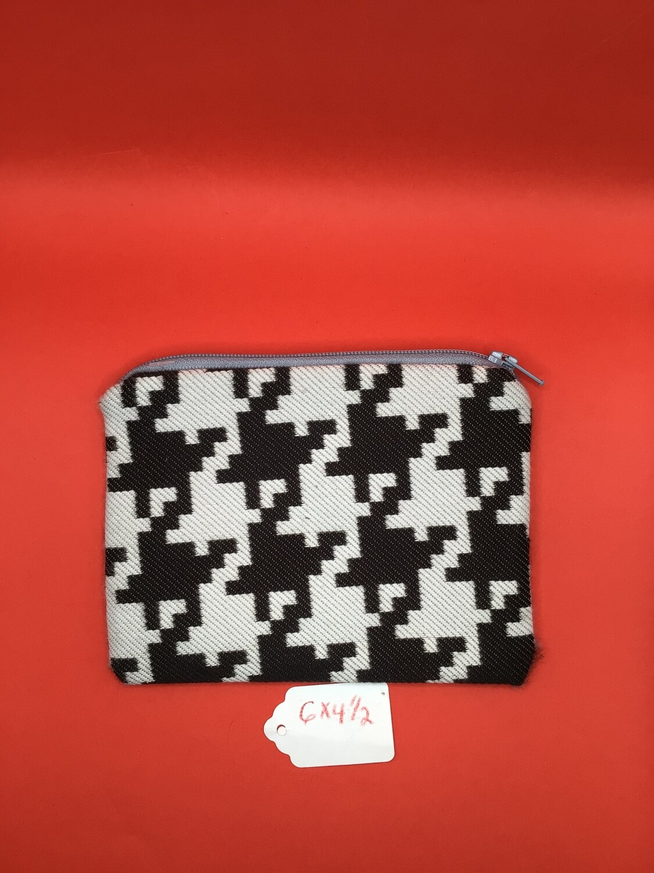 Bk/Ivory zipper wallet