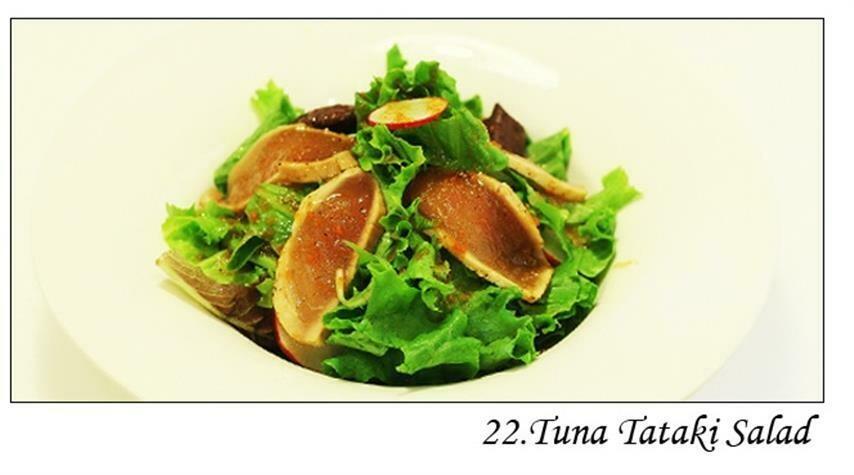 Tuna Tataki Salad