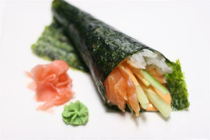 Spicy Salmon with Potato Chip Temaki