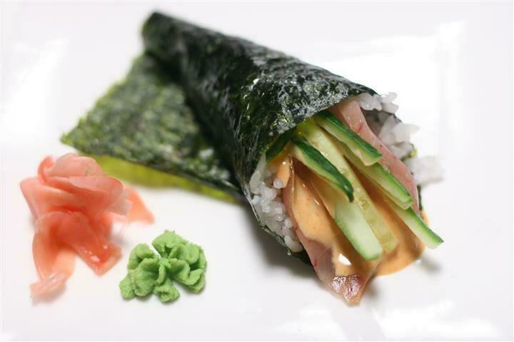 Spicy Tuna with Potato Chip Temaki