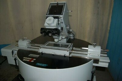 "​1 – USED 6"" X 6"" ZEISS (CARL) DESK TYPE OPTICAL COMPARATOR"