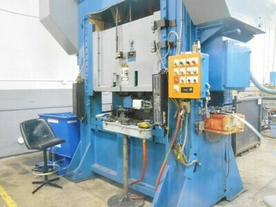 1 - USED 200 TON FEDERAL STRAIGHT SIDE DOUBLE CRANK MECHANICAL PUNCH PRESS