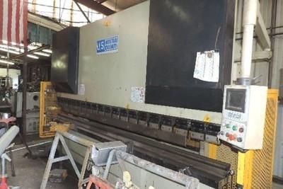 1 – USED 200 TON U.S. INDUSTRIAL HYDRAULIC CNC PRESS BRAKE