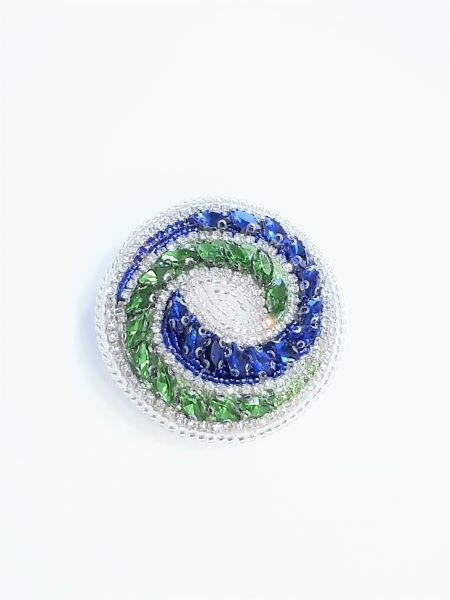 "The ""Yin-Yang"" brooch"